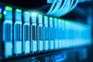 viele Festplatten in Firmen-Infrastruktur